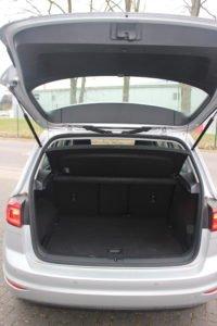 Auto PKW von Innnen Innenraum Kofferraum